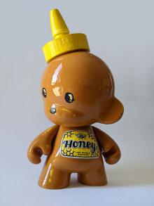 Superpao-honeybear-side
