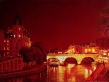 AV_Midnight-In-Paris